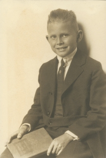 frederick-adolf-speik-jr-10yrs-1920_39018260345_o