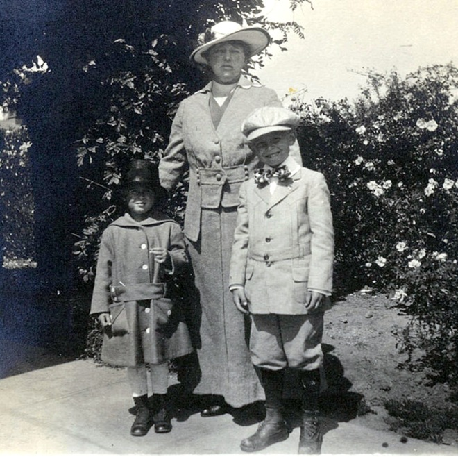 1918 believed 2B Emma Speik with grandkids Fred Jr and Madeleine