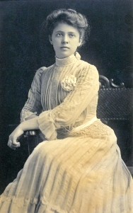 Edith Lawton, 1906