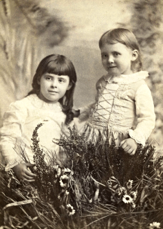 emily and edith 1888